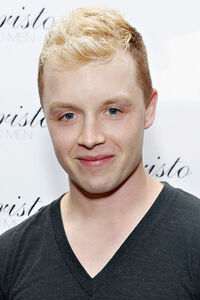 Noel Fisher Arrivals Christo Men Press Preview RDHqATDKS Nl