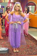 Stefanie scott twitter pic ant farm costume from the antagonist 3EjEz6a.sized