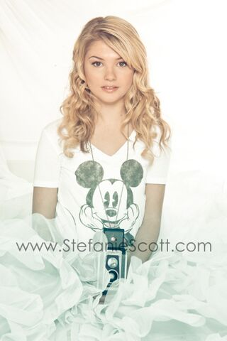 File:Stefanie scott photoshoot4 Z5jT3lp.sized.jpg