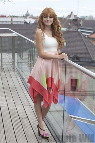 File:95340 Preppie Bella Thorne posing for a photo shoot on a hotel in Munich 3 122 179lo.jpg