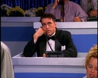 5x04 Joey phone