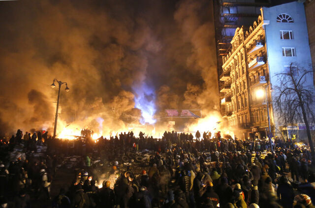File:Ukraine riots.jpg