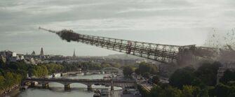 Paris eiffle tower shockwave of bomb