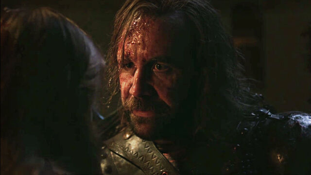 File:Sandor with Sansa 2x09.jpg