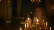 Cersei lighting candles