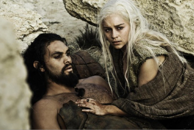 File:Daenerys and Drogo 1x10.png