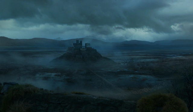 File:S04E8 - Moat Cailin - distant view.png