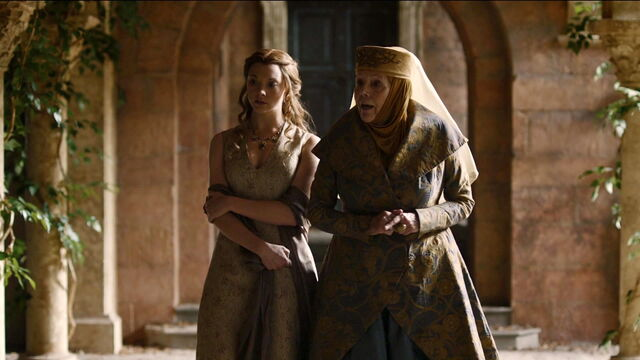 File:506 Margaery and Olenna discuss Loras.jpg
