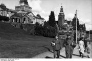 Bundesarchiv Bild 101II-MN-1572-15A, Gotenhafen, Landgang