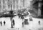 Bundesarchiv Bild 102-12689, Mailand, Signallampen im Straßenverkehr