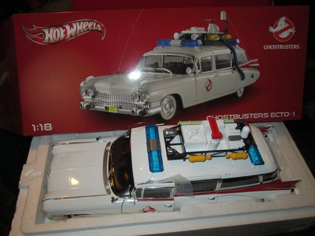 File:Hot Wheels Ecto1 1-18 Scale Heritage06.jpg