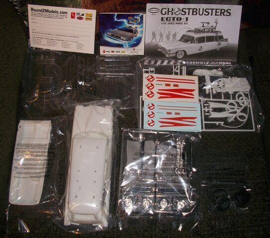 File:Polar Lights Ecto-1 Snap Model 2013 Re-Release Parts02.jpg