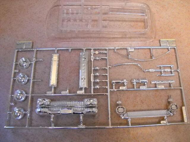 File:AMT Ecto1A 1989 Model Parts05.jpg
