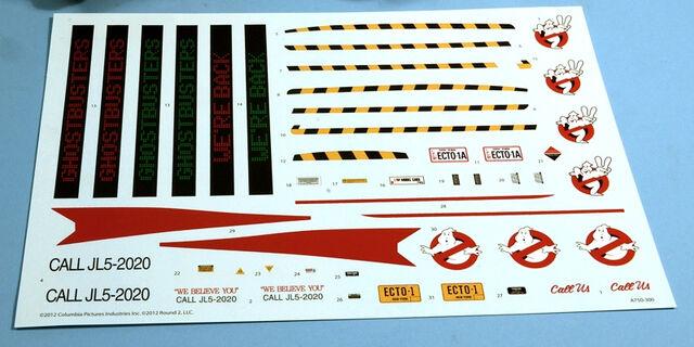 File:AMT Ecto1A 2012 Model Parts03.jpg
