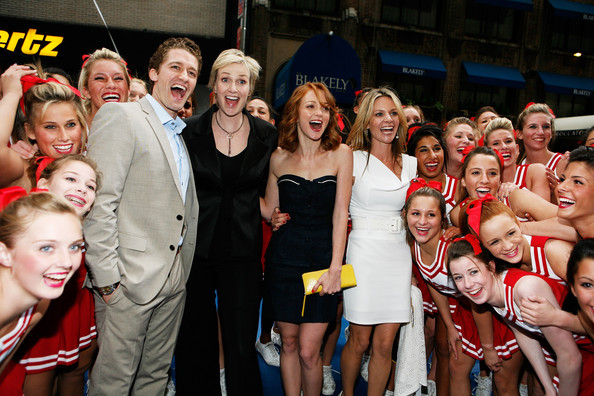 File:Glee+Cheerleaders+Exclusive+Performance+Fox+pkljfV5q5uAl.jpg