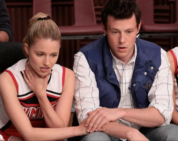 File:Stills finn-quinn-finn-and-quinn-8744085-1200-950.jpg