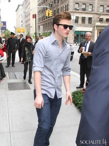 File:Chris-colfer-star-of-the-hit-tv-show-glee-is-spotted-out-and-about-in-soho-nyc-4.jpeg