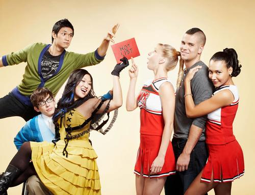 File:Glee Cast 41040 002 122 205lo.jpg