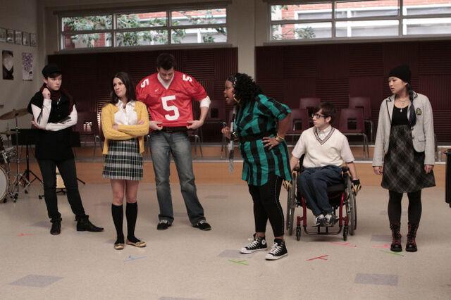 File:Glee-FOX-Showmance-1.jpg
