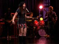 File:Sunshine Listen Glee1.jpg