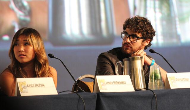 File:Glee panel-13.jpg