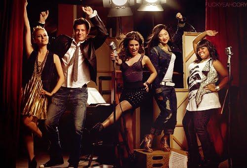 File:Glee-promo-pic.jpg