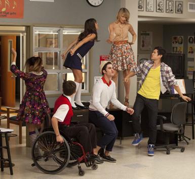 File:Glee-pot-o-gold6.jpg