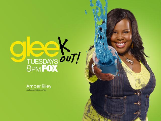 File:Glee Wallpaper 1024x768 Amber.jpg