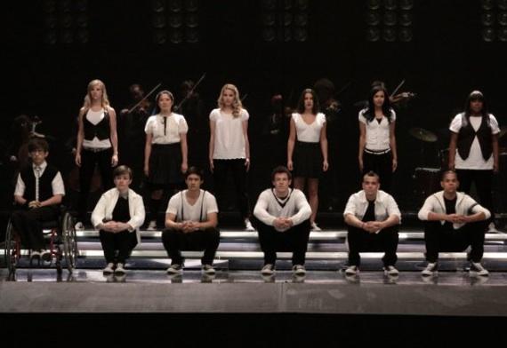 File:Glee-TW-2-23-10.jpg