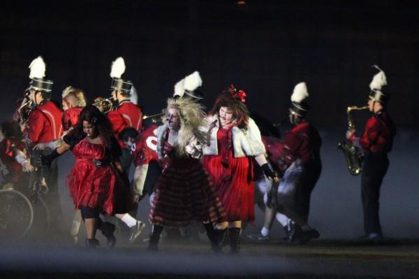 File:Glee-tv-show-image-thriller-03-600x399.jpg