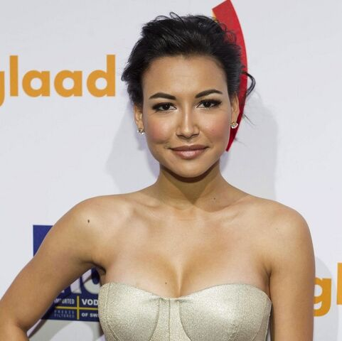 File:Naya-rivera-kim-cattrall-glaad-media-awards-06.jpg