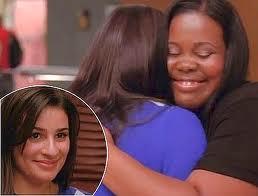 File:Glee Mercedes Rachel Hug.jpg