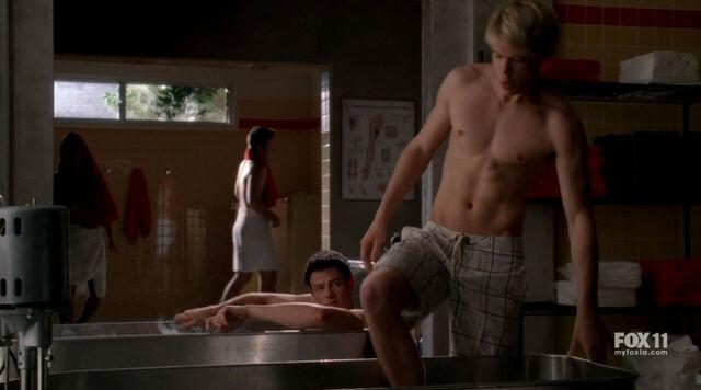 File:Glee2x06--04.jpg
