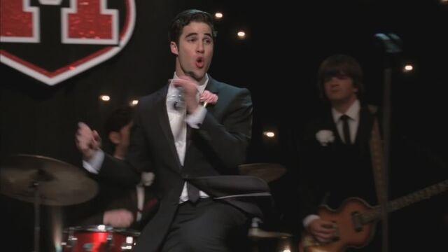 File:Glee220-0910-1f.jpg