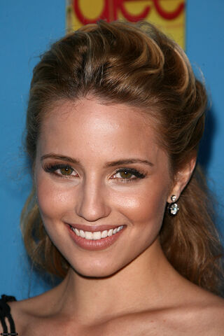 File:Dianna-Primiere-Party-of-Season-2-glee-15381825-1707-2560.jpg