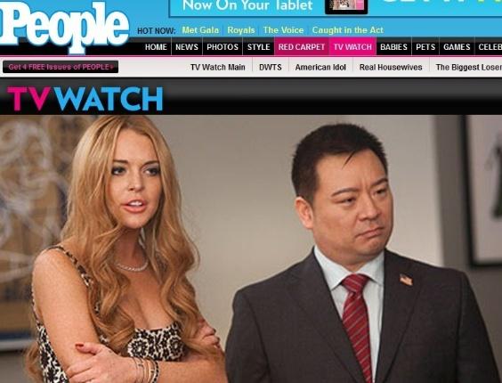 File:Lindsay-lohan-aparece-ao-lado-do-ator-rex-lee-em-cena-de-glee-a-atriz-fez-uma-participacao-especial-na-serie-interpretando-ela-mesma-8512-1336495759259 564x430.jpg