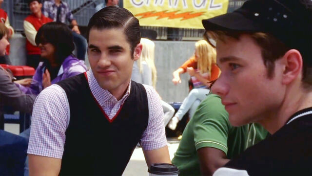 File:Glee-klaine-darren-criss-blaine-kurt-chris-colfer-images.jpg