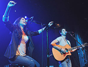 File:Darren-criss-naya-rivera-294nm061711-1308333871.jpeg