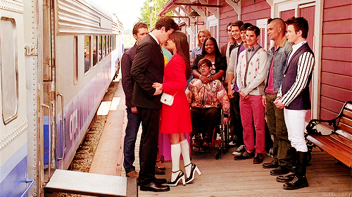 File:FinchelGoodbye Caps.png
