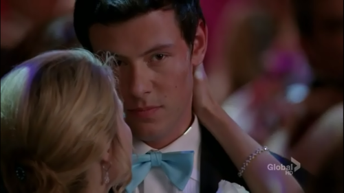 File:Love-finchel-3-finn-and-rachel-22378096-500-281.png