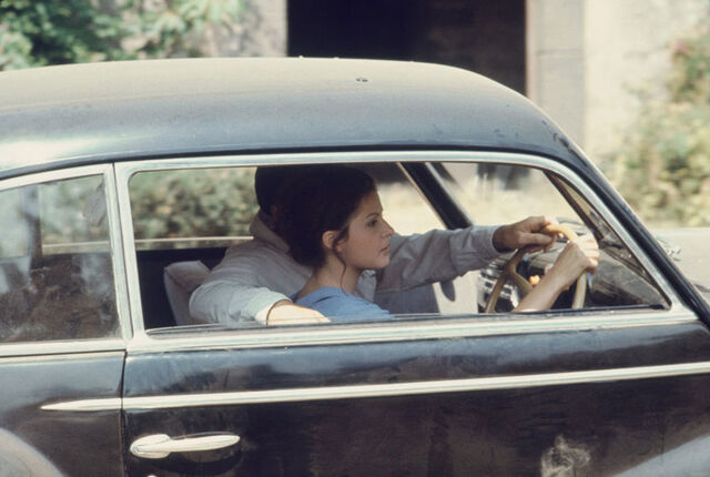 File:Michael teach apollonia how to drive.jpg