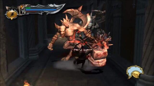 Archivo:Kratos vs minotaur hammer grunt 10 - GoW.jpg