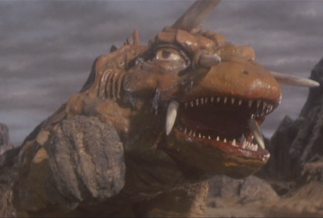File:Gamera - 5 - vs Jiger - 12 - Jiger gets a rock using the force.png