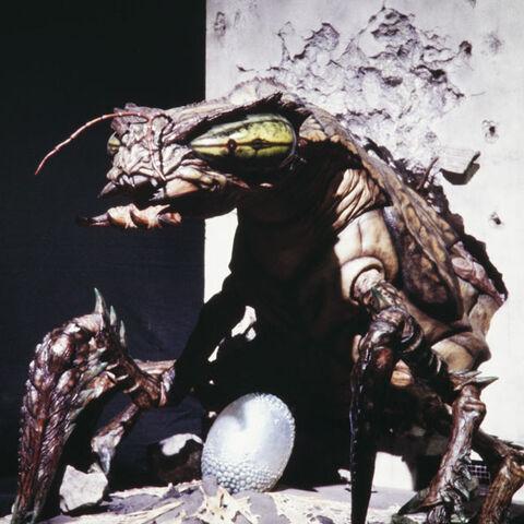File:Godzilla.jp - 24 - GiraMeganuron Meganulon 2000.jpg