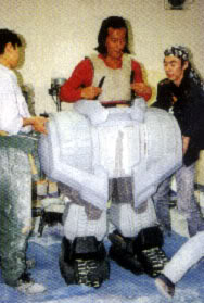 File:Behind Godzilla vs SpaceGodzilla 4 Wataru Fukuda tests out MOGUERA.jpg