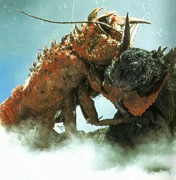 File:Ebirah fights Godzilla.jpg