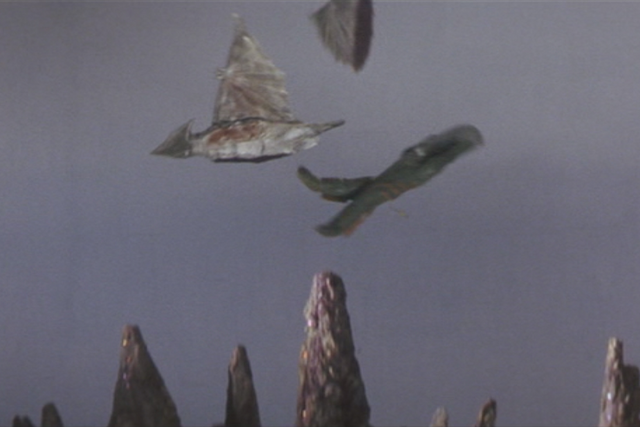 File:Gamera - 5 - vs Guiron - 16 - Guiron Cuts the wing of Space Gyaos.png