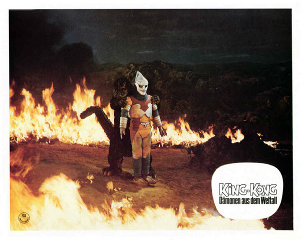 File:Godzilla vs. Megalon Lobby Card Germany 4.png