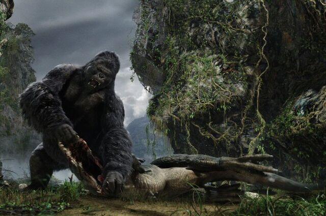 File:King Kong 2005 Kong Breaks V-rex's Jaw.jpg