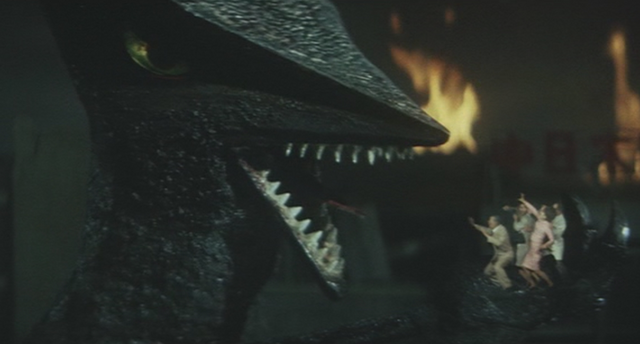 File:Gamera - 3 - vs Gyaos - 18 - Gyaos EATS HUMANS.png